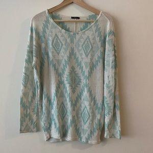 Patterned lightweight sweater